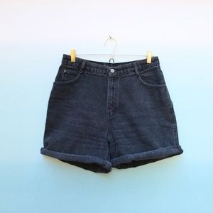 Vintage Black High Rise Mom Jeans Shorts Sz 14